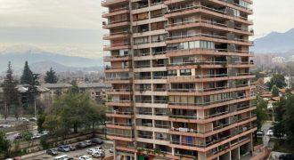DEPARTAMENTO UBICADO EN TORRES TOMAS MORO, LAS CONDES